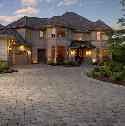 Interlock driveway with nice house, Flandscape in london Ontario